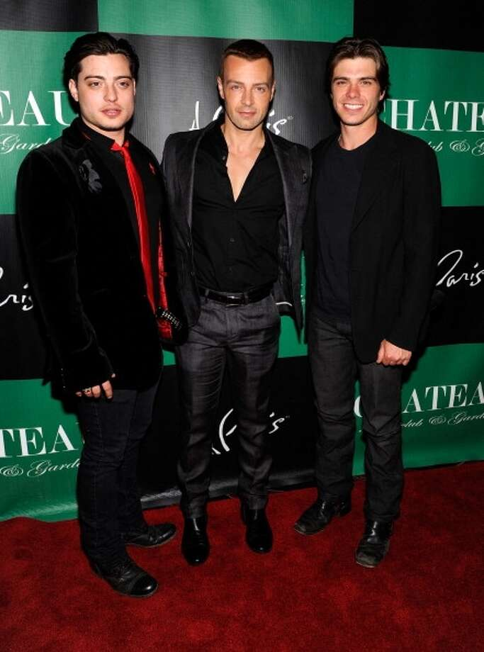 Joey Lawrence, (C) Andrew Lawrence (L) and Matthew Lawrence in 2012.