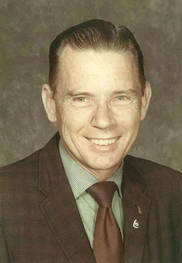 Alvin Jannasch, a San Antonio school teacher, in retirement enjoyed checkers and dominoes.