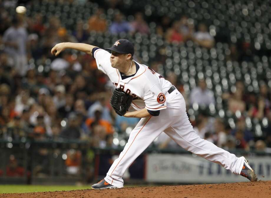 Astros pitcher Bud Norris delivers a pitch to the White Sox.