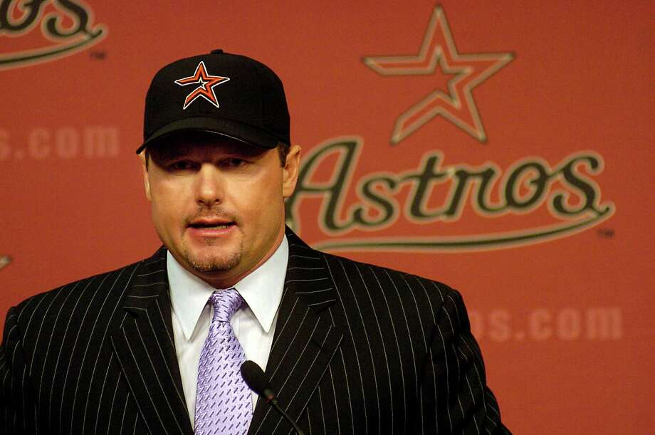 Roger Clemens talks to the media during a  press conference announcing his return to Astros on May 31,2006. Clemens agreed to another one-year deal. Photo: Dave Rossman, For The Chronicle / Freelance