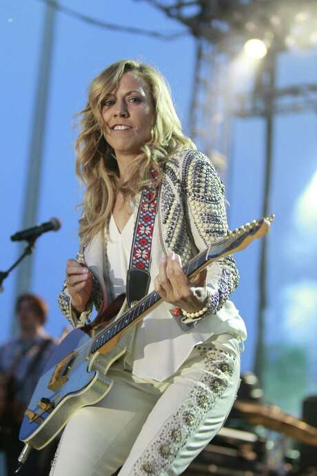 "Sheryl Crow's new country album, ""Feels Like Home,"" was produced in Nashville, where she now lives. Photo: Harry Scull Jr. / Associated Press"