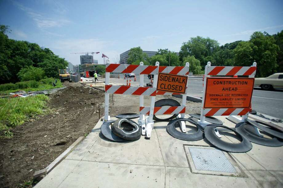 Construction continues on the Tresser Blvd. bridge over Mill River in Stamford, Conn., on Tuesday, June 18, 2013. Photo: Lindsay Perry / Stamford Advocate