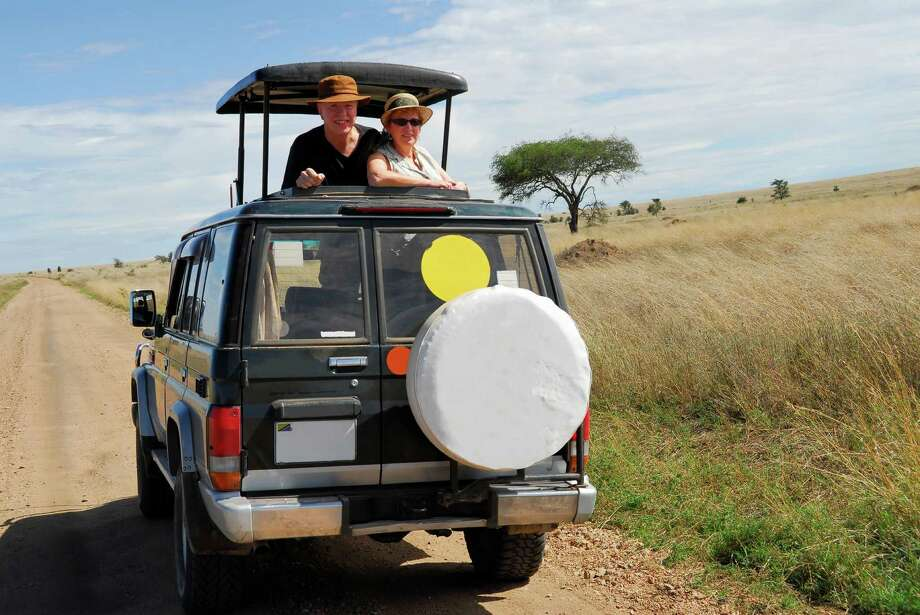 Couple on safari Photo: Brytta / iStockphoto