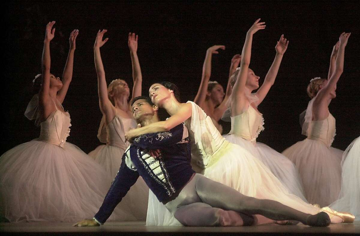 """ABT24a-C-21SEP01-DD-CKH CHRISTINA KOCI HERNANDEZ/CHRONICLE In ACT 2, """"Giselle"""" Susan Jaffe rescues """"Count Albrecht"""" Jose Manuel Carreno, from his death.American Ballet Theater dances """"Giselle"""" at Zellerbach Hall in Berkeley. Ran on: 10-28-2004 Susan Jaffe, in the role of Giselle, rescues Jose Manuel Carreno (Count Albrecht) in one of three American Ballet Theater casts that performed the ballet at UC Berkeley's Zellerbach Hall in 2001."""