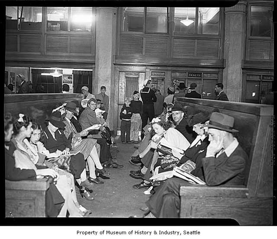 Greyhound bus station, 1948.  (Photo: copyright MOHAI, Seattle Post-Intelligencer collection, 1986.5.16803.10).