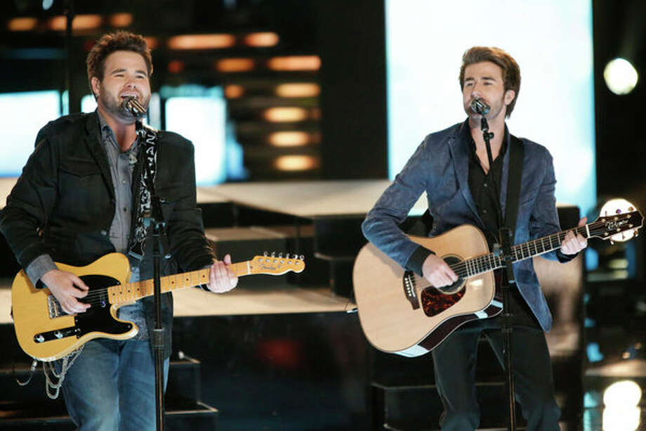 "THE VOICE -- Episode 419B ""Live Finale"" -- Pictured: (l-r) Zach Swon, Colton Swon of The Swon Brothers -- Photo: NBC, Tyler Golden/NBC / 2013 NBCUniversal Media, LLC"