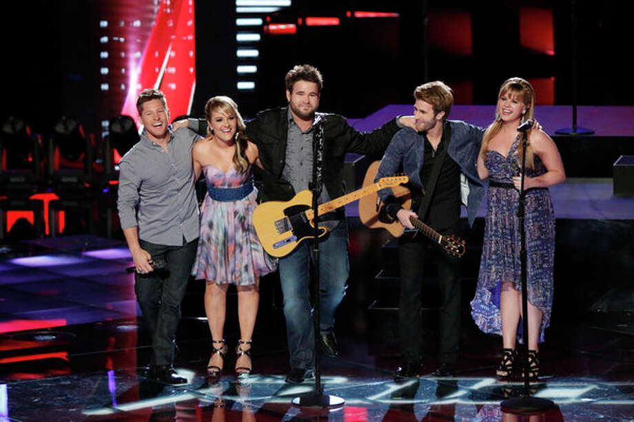 "THE VOICE -- Episode 419B ""Live Finale"" -- Pictured: (l-r) Justin Rivers, Amber Carrington, Zach Swon, Colton Swon of The Swon Brothers, Holly Tucker -- Photo: NBC, Tyler Golden/NBC / 2013 NBCUniversal Media, LLC"