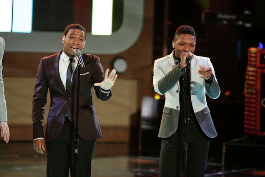 "THE VOICE -- Episode 419B ""Live Finale"" -- Pictured: (l-r) Vedo, Kris Thomas -- Photo: NBC, Tyler Golden/NBC / 2013 NBCUniversal Media, LLC"