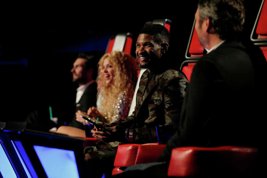 "THE VOICE -- Episode 419B ""Live Finale"" -- Pictured: (l-r) Adam Levine, Shakira, Usher, Blake Shelton -- Photo: NBC, Trae Patton/NBC / 2013 NBCUniversal Media, LLC"