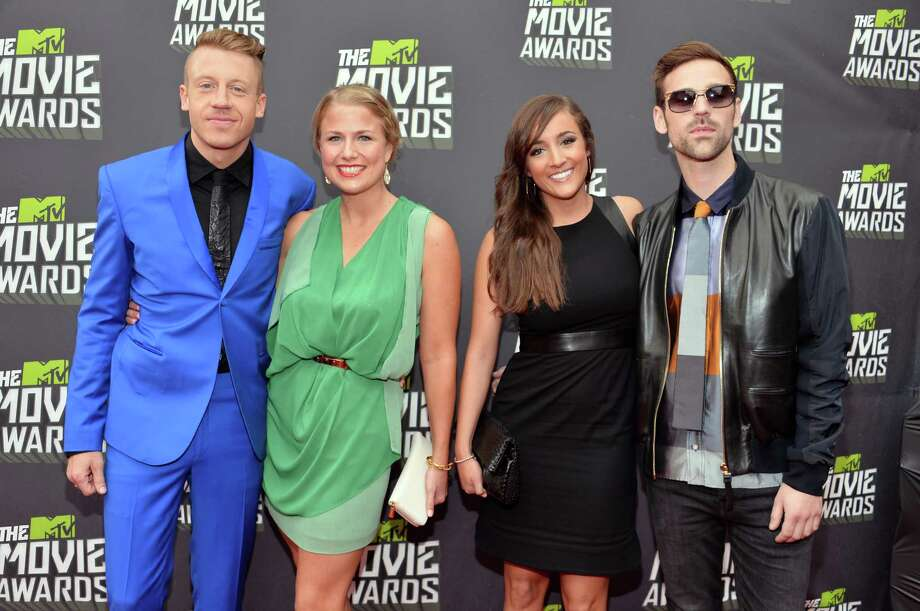 Why so blue Macklemore? Photo: Alberto E. Rodriguez, Getty Images / 2013 Getty Images
