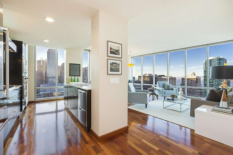 355 FirstSt., No. 2002 Photo: OpenHomesPhotography.com