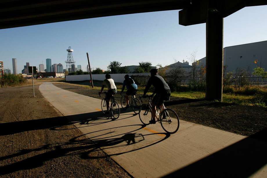Ride your bike every mile of the city's Bikeway Program. Photo: Johnny Hanson, Houston Chronicle / Houston Chronicle