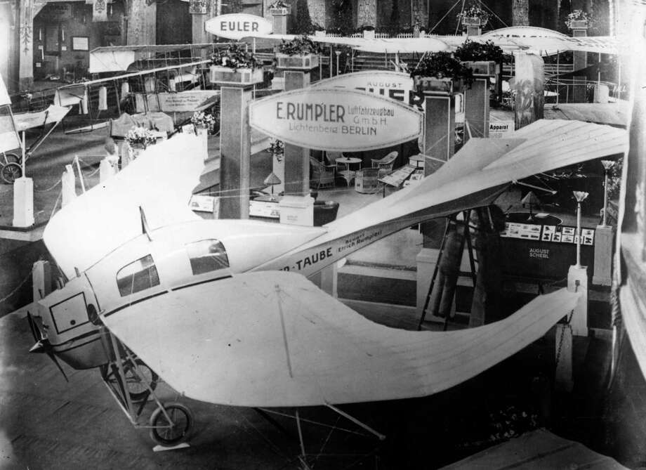 The birdlike Etrich Rumpler Taube (dove) aircraft is displayed at a German airshow in 1914. Photo: Topical Press Agency, Getty Images / Hulton Archive