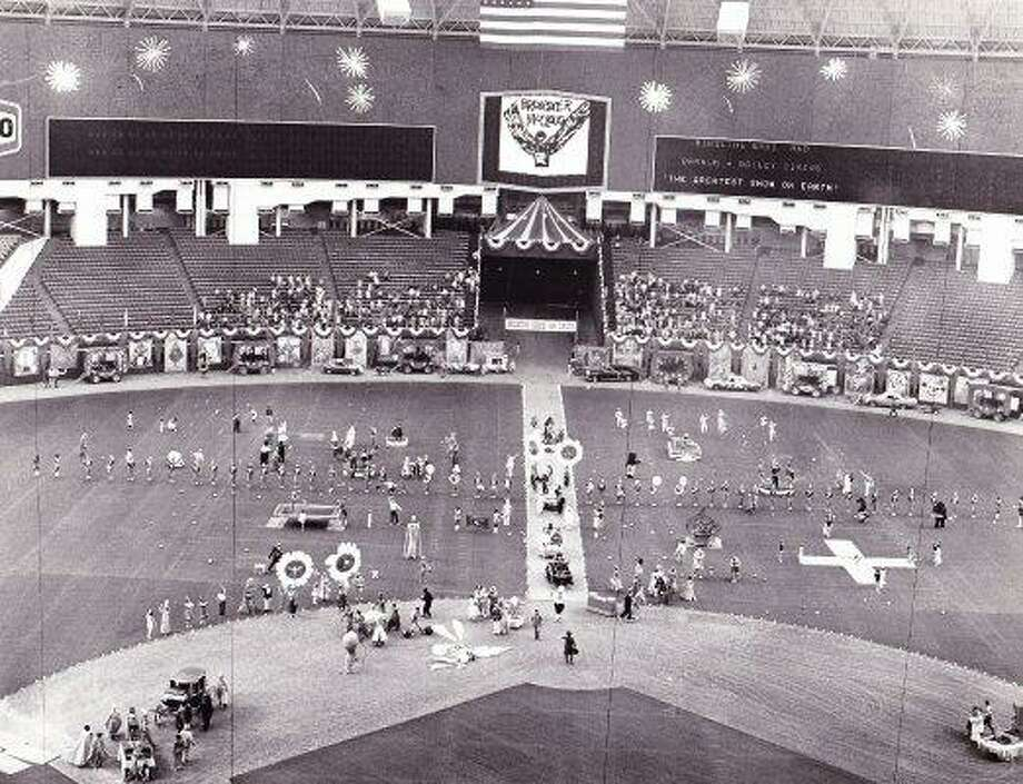 BREWSTER McCLOUD - filmed in Houston Astrodome