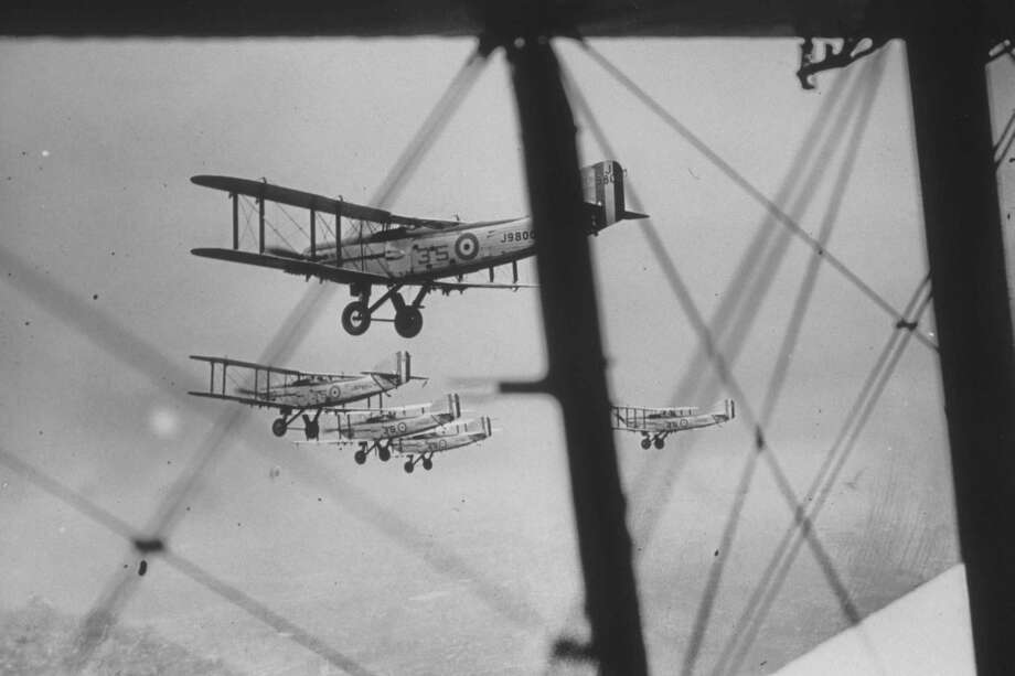 The U.K. Royal Air Force's 35th Squadron flies in formation during rehearsals for the Hendon, England, Air Display in June 1930. Photo: Topical Press Agency, Getty Images / Hulton Archive