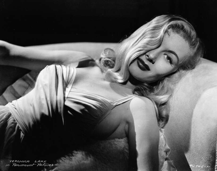 1941:  American actress Veronica Lake (1919 - 1973) with one lock of hair falling over her eye - her distinctive look.