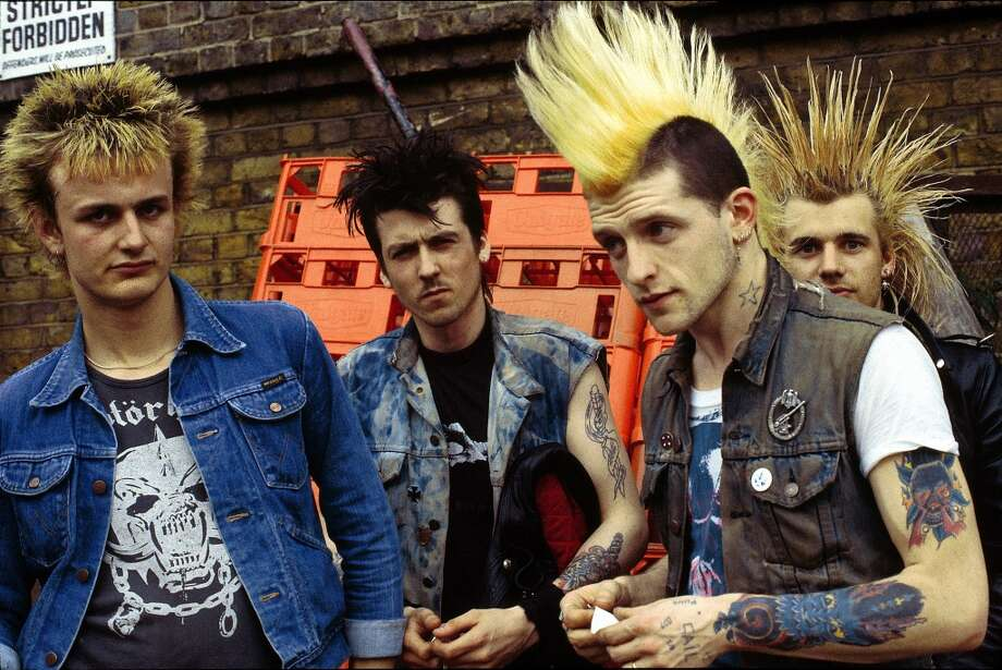 Photo of punks in 1970