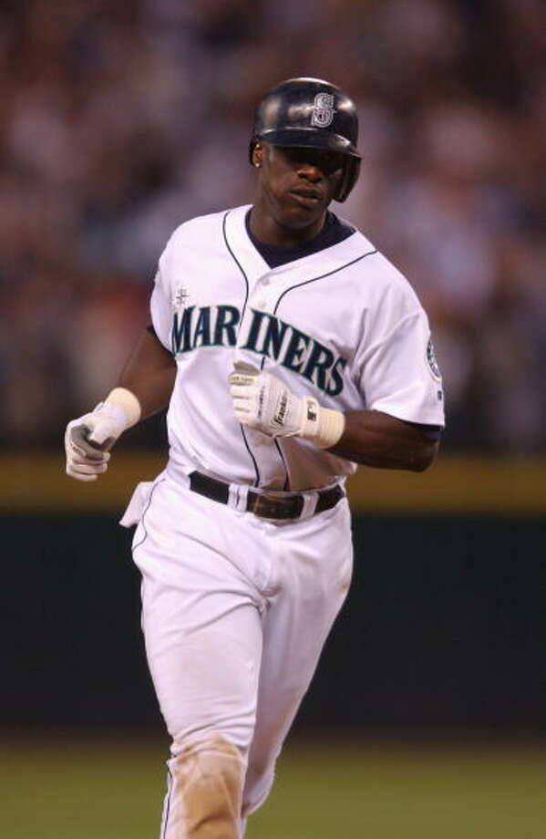 2002 Mike Cameron -- 25 home runs center fielder  Next four: 24 -- Bret Boone, 2B 22 -- John Olerud, 1B 15 -- Edgar Martinez, DH 13 -- Ruben Sierra, UT  Photo: Otto Greule Jr, Getty Images / 2002 Getty Images