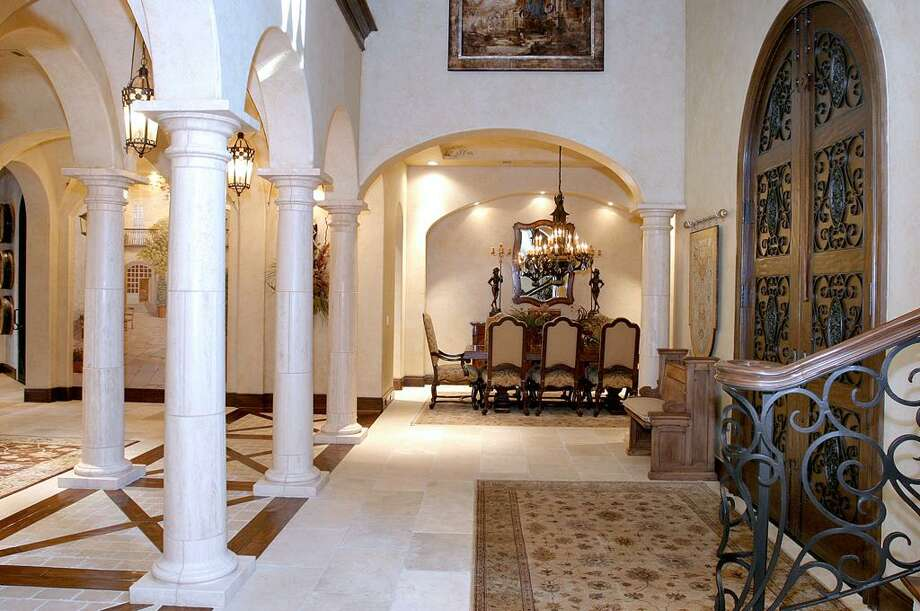A view of the foyer.  Photo: HAR