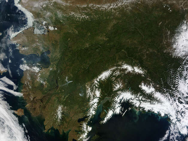 Rare Clear View of Alaska