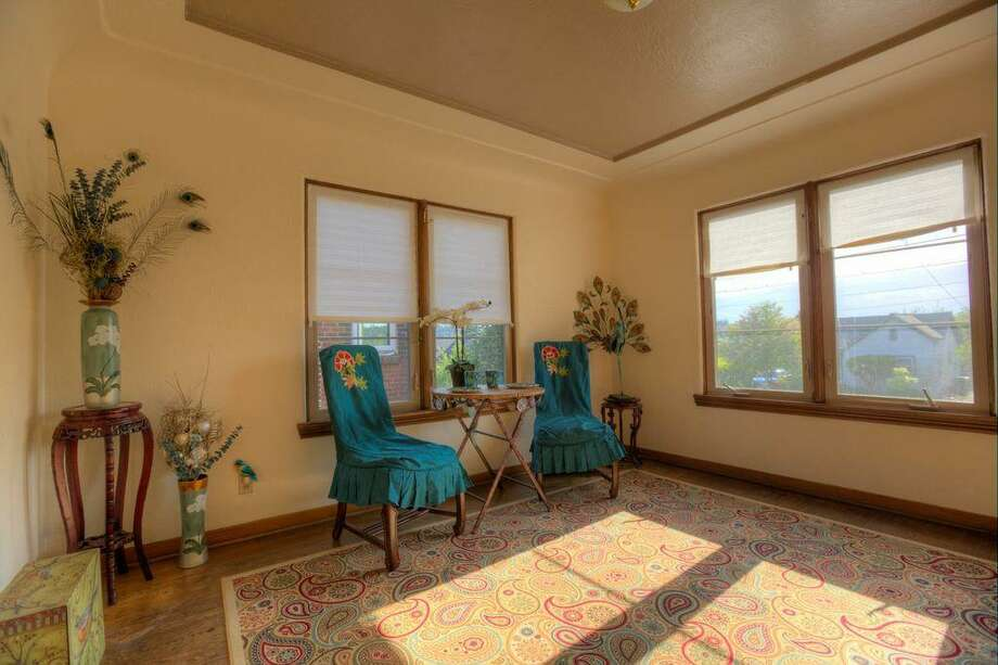 Dining room of 2108 29th Ave. S. The 2,580-square-foot brick home, built in 1937, has three bedrooms, 1.5 bathrooms, coved ceilings and a basement utility room on a 4,000-square-foot lot. It's listed for $480,000. Photo: Doh Tran, Courtesy Marlie Hirschhorn, Prudential/RNT Real Estate
