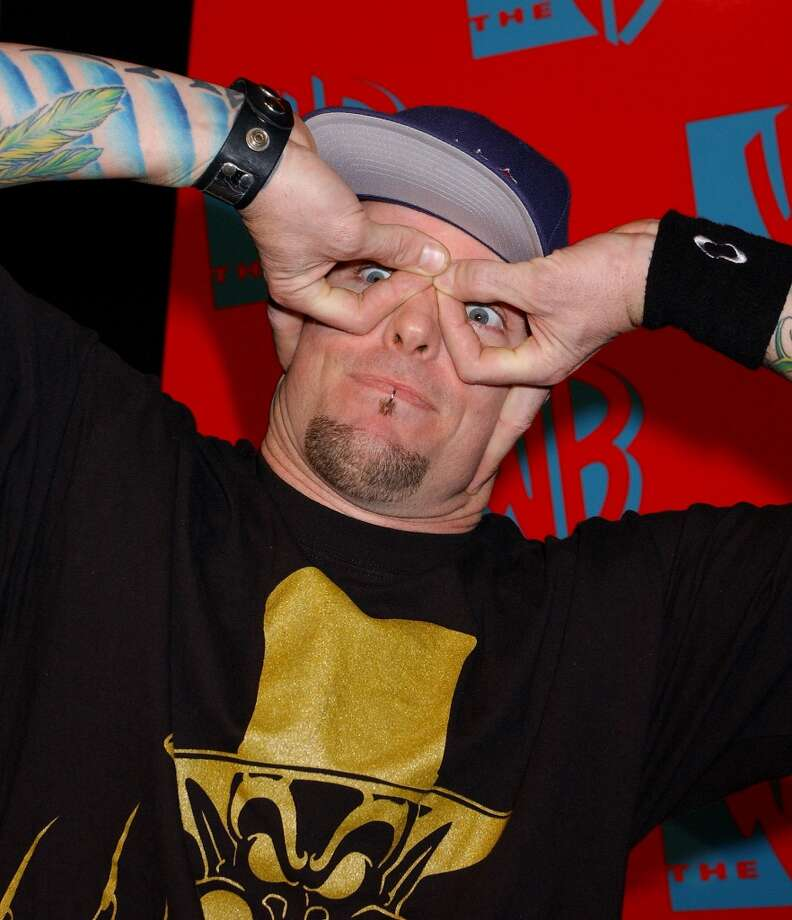 Vanilla Ice makes funny faces.