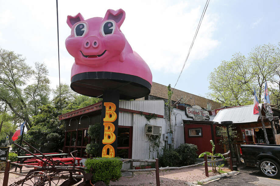 Augie's Barbed Wire Smokehouse offers excellent pork ribs.