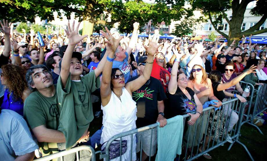 Alive@Five in downtown Stamford, Conn., on Thursday, June 20, 2013. Photo: Lindsay Perry / Stamford Advocate
