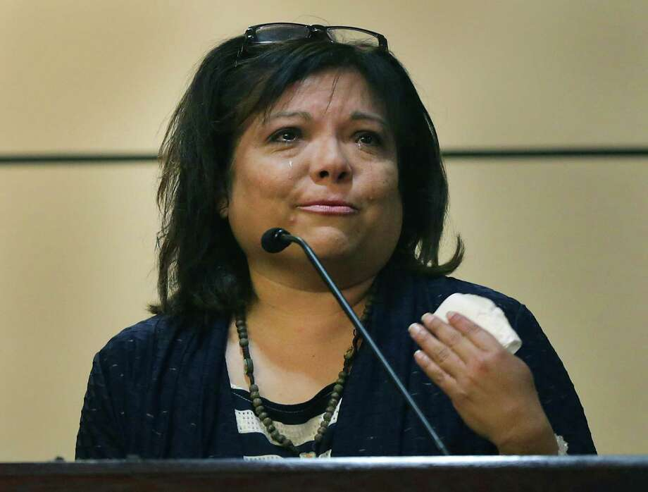 Former kindergarten teacher Cynthia Ambrose cries while on the witness stand. She was found guilty of official oppression. Photo: San Antonio Express-News