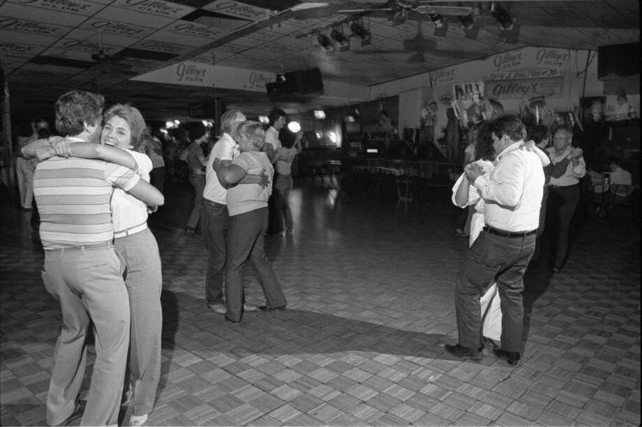 Dance floor at Gilley's Club, 1985. Photo: Ben DeSoto, Houston Chronicle / The Houston Chronicle