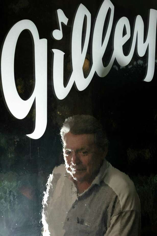 Mickey Gilley, who's national music career began on the  stage at Gilley's Club, in Pasadena, at his Gilley's Restaurant in Pasadena, Tuesday, May 3, 2005. Photo: KAREN WARREN, HOUSTON CHRONICLE / HOUSTON CHRONICLE