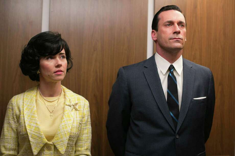 Sylvia Rosen (Linda Cardellini) and Don Draper (Jon Hamm) are involved in an affair. Photo: Jordin Althaus, HOEP / AMC
