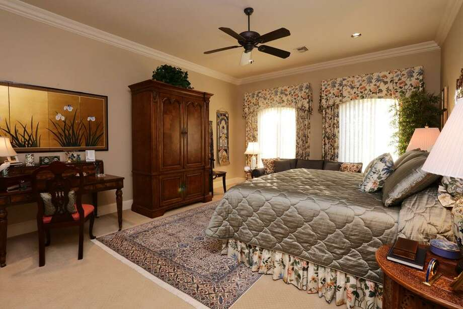 Bedroom # 4 measures 18x18 & has a private bath, as well. Jetted tub & over sized shower makes this another suite.