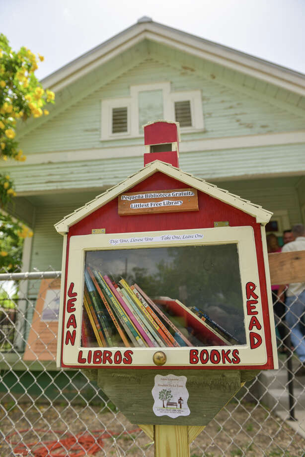 West Side Gets A Little Free Library San Antonio Express