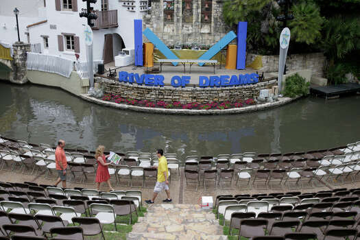 The Arneson Theatre is prepared for for tonight's Texas Cavaliers River Parade April 19, 2010. The event will feature King Antonio and El Ray Feo on barges among many other attractions on the River Walk. Photo: Jerry Lara, San Antonio Express-News / glara@express-news.net