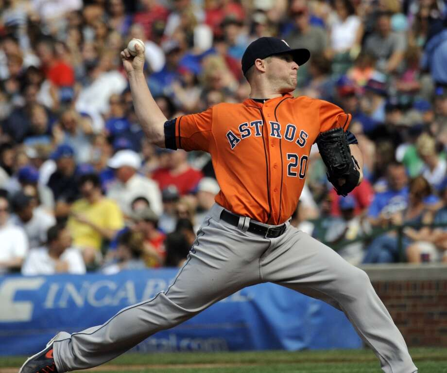Astros pitcher Bud Norris delivers a pitch.