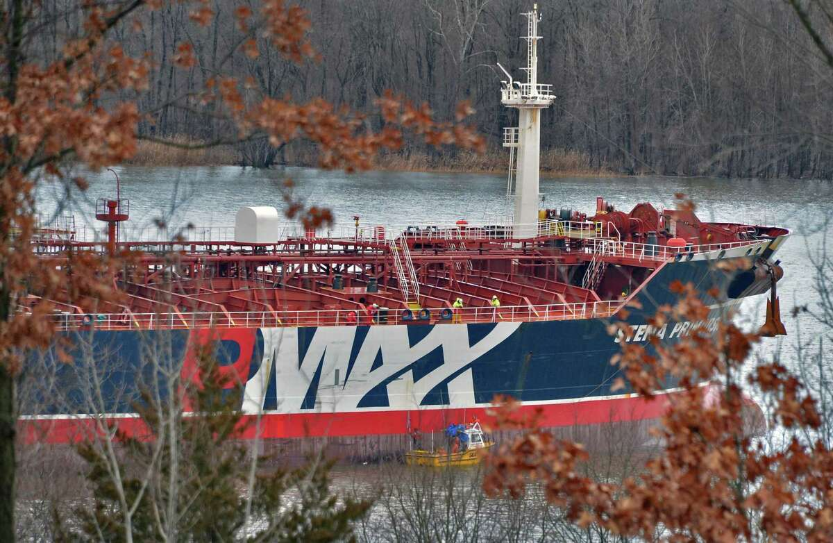 The oil tanker Stena Primorsk carrying North Dakota crude from the Port of Albany lies at anchor in the Hudson River off Stuyvesant Friday Dec. 21, 2012, after running aground yesterday morning. (John Carl D'Annibale / Times Union)