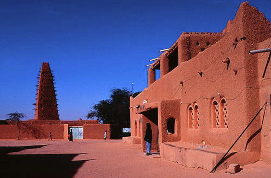 Niger's historic center of Agadez, now a World Heritage Site, is known as the southern gateway to  the Sahara desert. It developed in the 15th and 16th centuries.