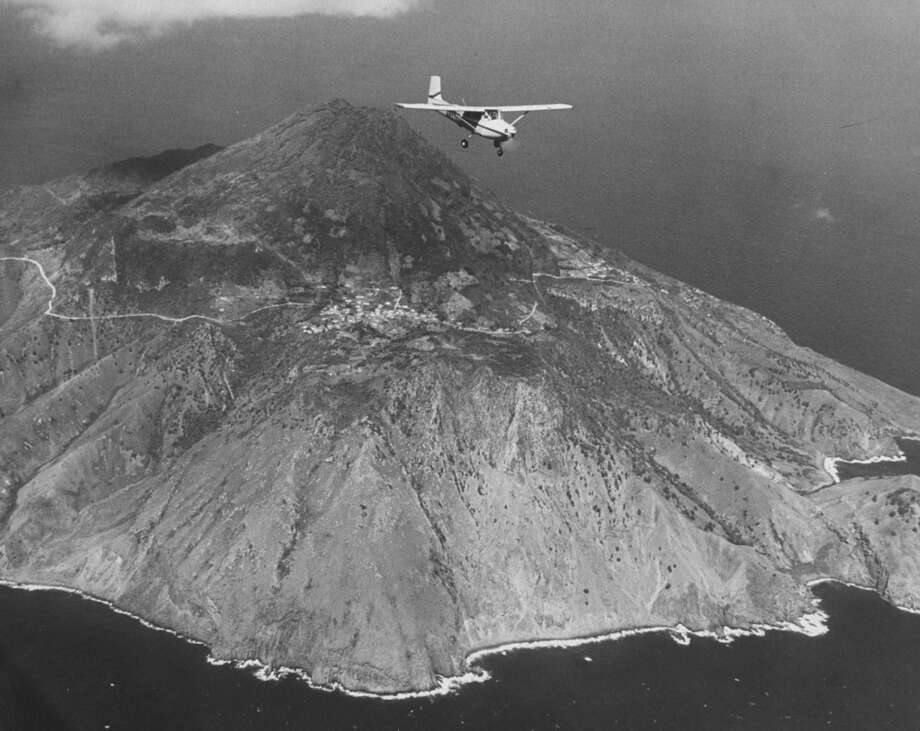 Juancho E. Yrausquin Airport (Saba Island, Netherlands Antilles)