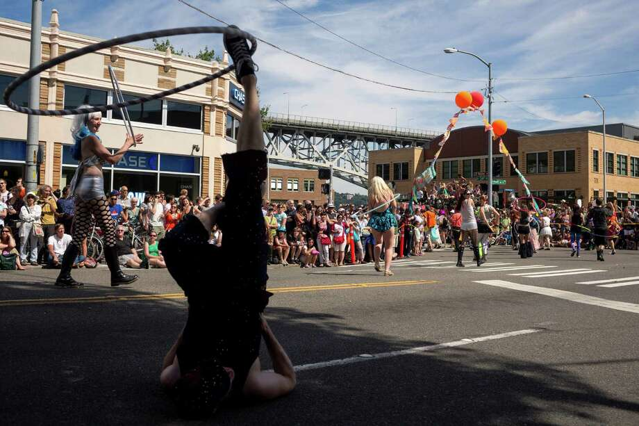 Thousands gathered under a blue sky to enjoy the quirky sights and sounds. Photo: JORDAN STEAD, SEATTLEPI.COM / SEATTLEPI.COM
