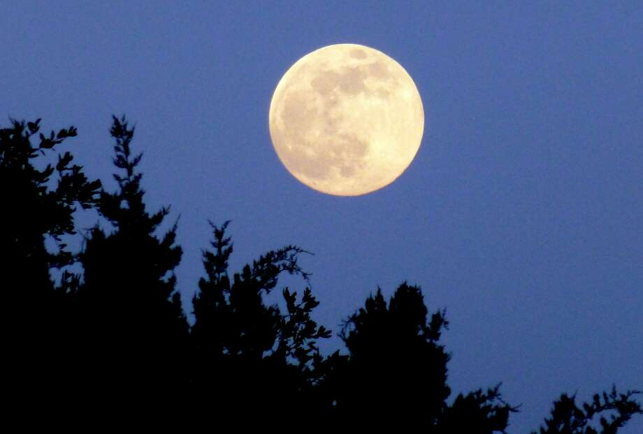 The Supermoon is seen in Bulverde, about 35 minutes after moonrise on June 22, 2013. Photo: Bill Sprole, Courtesy Photo