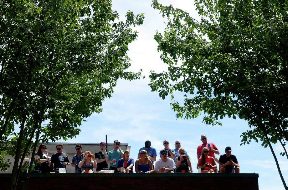 Thousands gathered under a blue sky to enjoy the quirky sights and sounds. Photo: SY BEAN, SEATTLEPI.COM / SEATTLEPI.COM