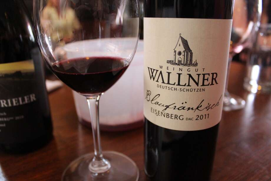 2011 Wallner Blaukfränkisch Eisenberg DAC is reddish purple in color. It's tartness and tightness call to mind a Burgundian pinot noir or even an Italian wine from Piedemonte.