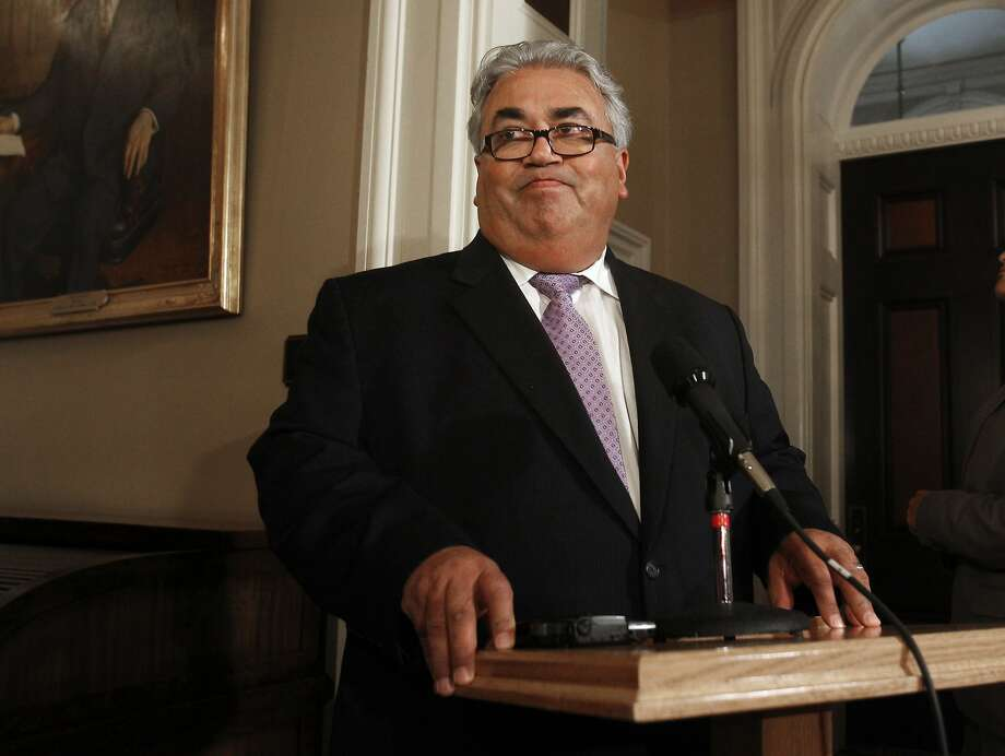 Sen. Ron Calderon has refused to leave office. Photo: Rich Pedroncelli, Associated Press