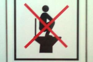 Judge: Men cannot be forced to squat to pee - Photo