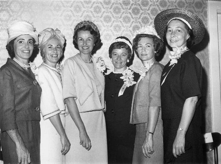 Six wives of the seven Mercury astronauts pose on April 27, 1962 at a luncheon held in their honor by the American Newspaper Women's Club in Washington DC. Left to right are: Annie Glenn (Mrs. John Glenn); Rene Carpenter (Mrs. Scott Carpenter); Louise Shepard (Mrs. Alan Shepard); Betty Grissom (Mrs. Virgil Grissom); Trudy Cooper (Mrs. Leroy Cooper) and Bobbie Slayton (Mrs. Donald Slayton). Jo Schirra (Mrs. Walter Schirra) was not in attendance. (AP)
