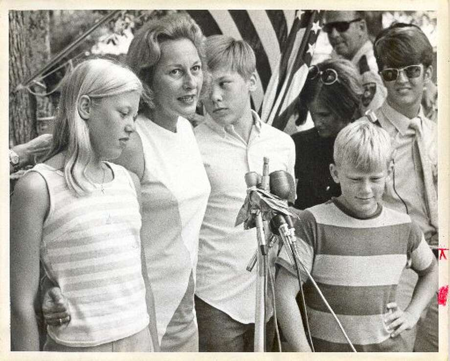 Joan Aldrin, wife of astronaut Edwin E. (Buzz) Aldrin, speaks to the media on July 24, 1969. Mrs. Aldrin and her children, from left, Janice, Michael and Andrew, held a hot but happy post-splashdown press conference for Apollo 11. (Jerry Click / Houston Post)