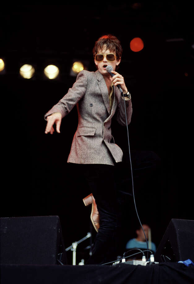 1994: English singer Jarvis Cocker performing with pop group Pulp at the Glastonbury festival, 26th June 1994. Photo: Michael Putland, Getty Images / 2010 Getty Images