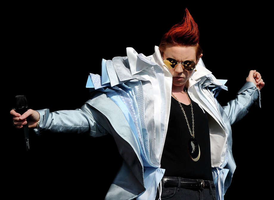 2010: La Roux performs on the Other stage on Day 2 of the Glastonbury Festival at Worthy Farm on June 25, 2010 in Glastonbury, England. Photo: Shirlaine Forrest, WireImage / 2010 Shirlaine Forrest