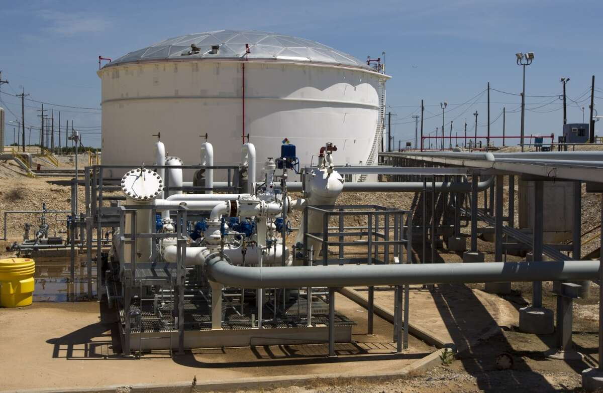 No. 4 - Genesis Energy 2012 revenue - $4.1 billion Earnings per share growth - 64% [Photo: Genesis Energy's 55,000-barrel storage tank in Texas City.]